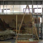 """<span class=""""deutsch"""">Ausstellungsaufbau Technische Wand Diorama</span><span class=""""englisch"""">tech wall diorama</span>"""