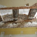 """<span class=""""deutsch"""">Holzmalerei Deckenbalken</span><span class=""""englisch"""">painting on the timber frame</span>"""