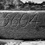 """<span class=""""deutsch"""">Grundstein der Synagoge</span><span class=""""englisch"""">cornerstone of the synagogue</span>"""
