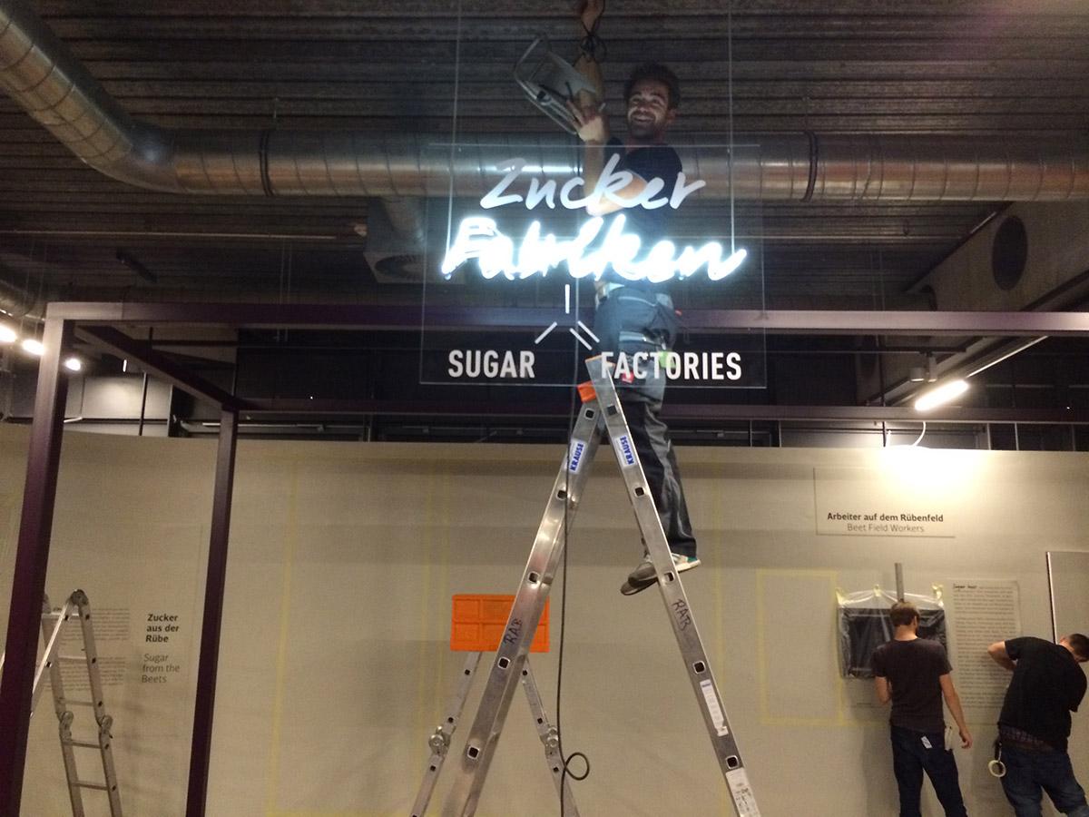 Ausstellungsaufbau Lichttechnik