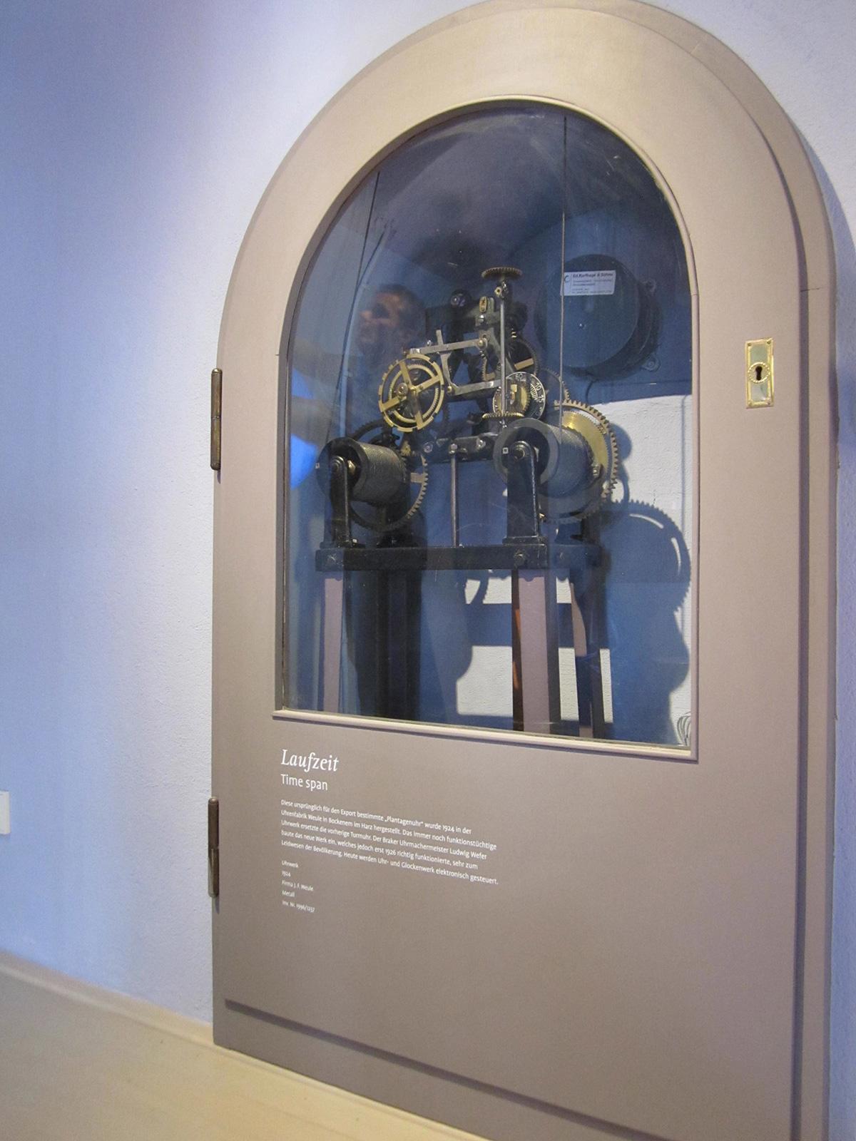 "<span class=""deutsch"">Uhrwerk Telegraph Brake</span><span class=""englisch"">clockwork of the Brake telegraph</span>"