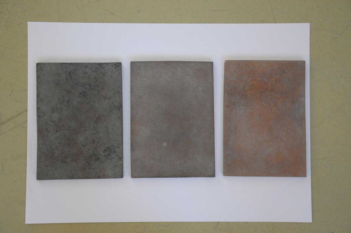 Materialmuster Außenstele: Messing unterschiedlich bearbeitet