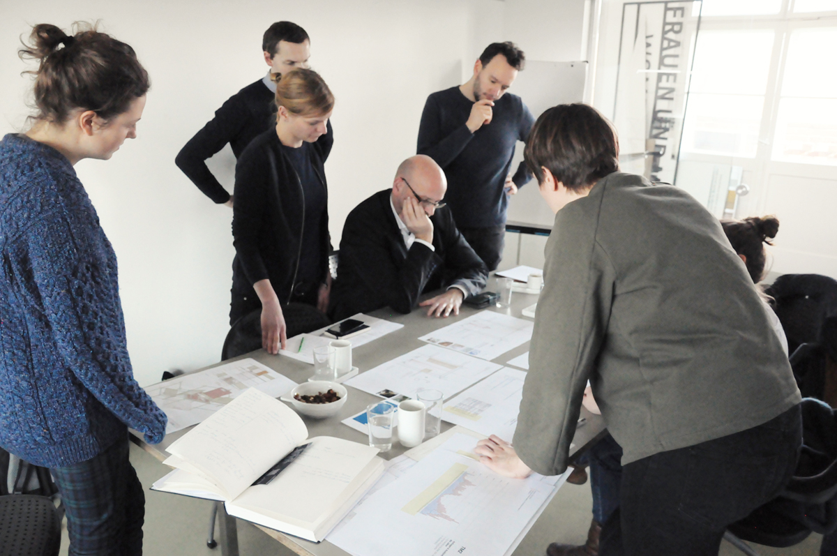 "<span class=""deutsch"">Workshop in den Büroräumen von gewerkdesign, 2018 </span><span class=""englisch"">Workshop 2018</span>"